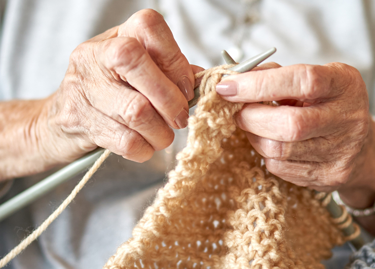 Amica Helping Hands - Knitting Hands
